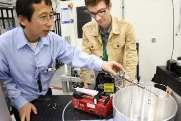 Zhili Zhang working in UTSI Lab